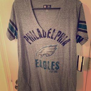 Philadelphia Eagles Women's  V-neck shirt